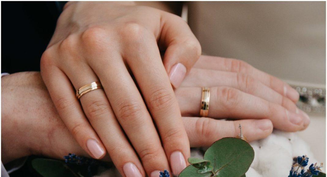Vjenčani prsten na četvrtom prstu