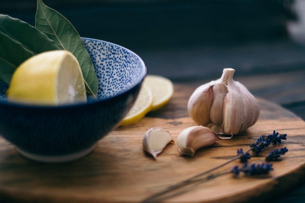 Prirodni lijek za kolesterol od češnjaka i limuna