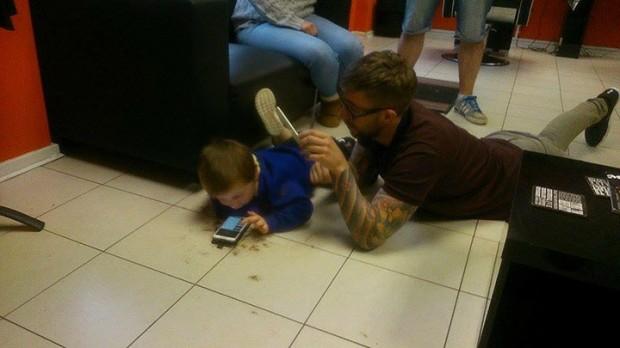 Autistični dječak i frizer 2