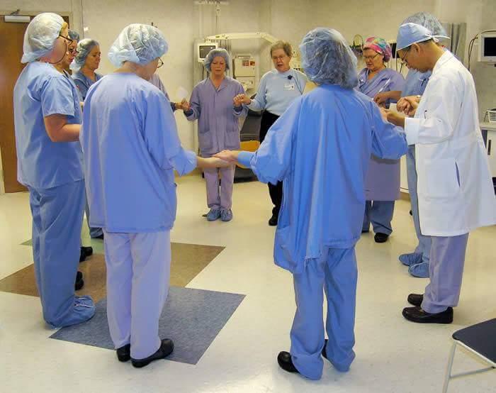 zajednički trenutak skupine kirurga