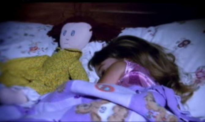 Majka se molila pored kreveta kćeri na samrti