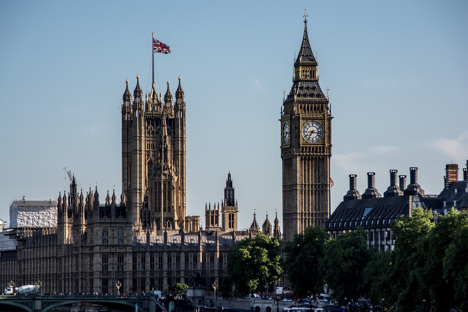 Ujedinjeno Kraljevstvo će osigurati zaštitu kršćanskih zajednica od terorista