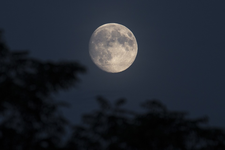 mjesec svjetlo
