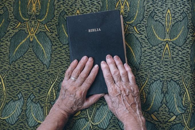 Policija uhitila šest kršćanki koje su poučavale Bibliju
