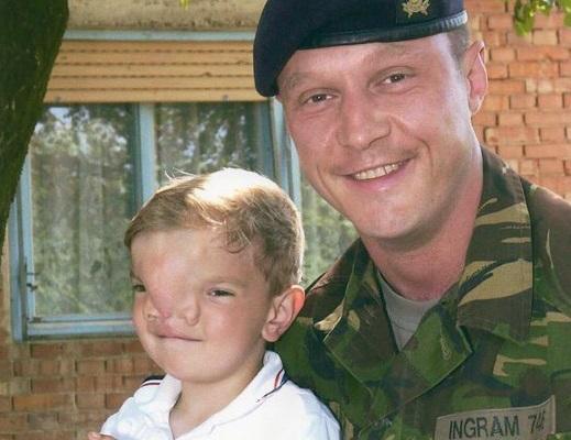 dječak britanski vojnik
