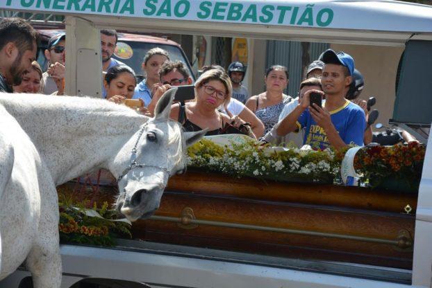konj-sahrana-4