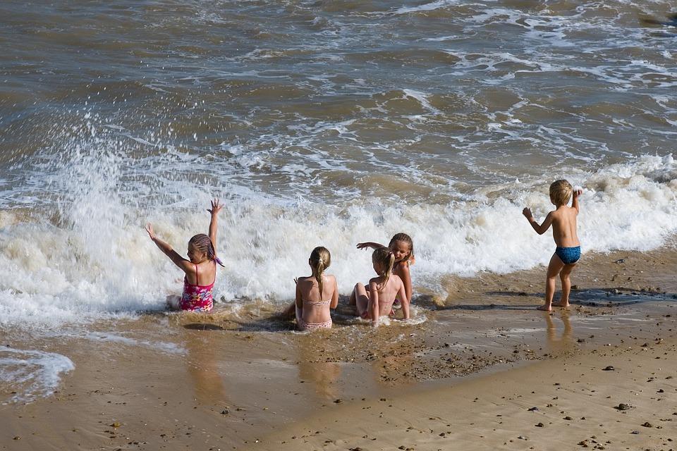 djeca plaža