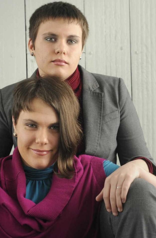 odrasle blizanke