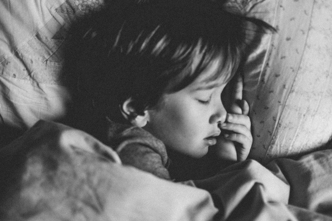 najzdravije spavati na lijevom boku