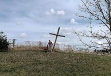 Justin Bieber križ