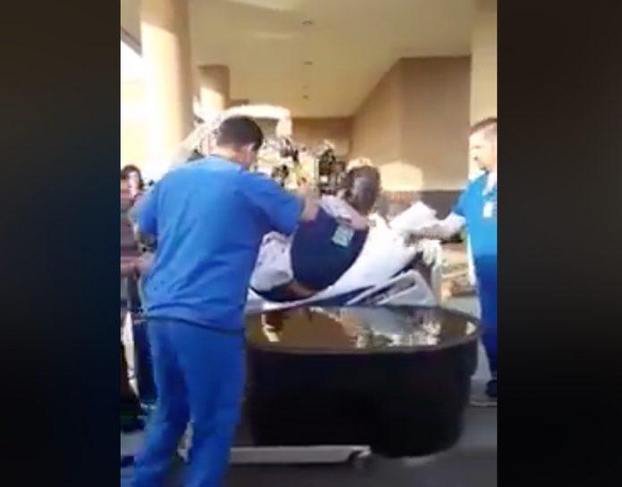 čovjek u kolicima krštenje