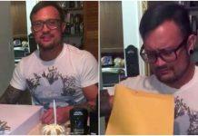 Tata se slomio kada je u kuverti ugledao rođendanski poklon