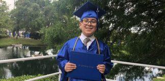 dječak diplomirao znanost bog postoji