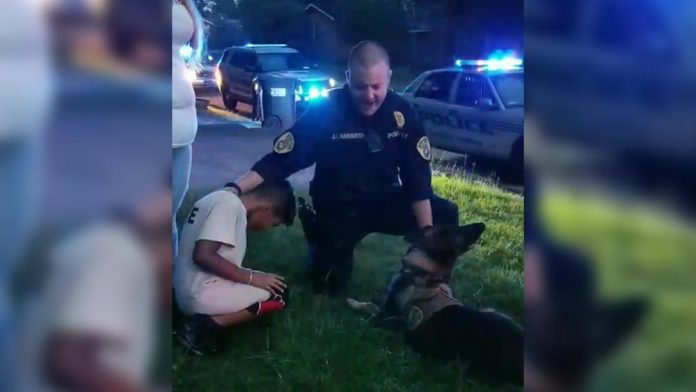 policajac se pomolio za dječaka tumor na mozgu