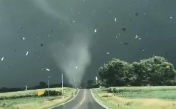 tornado poharao američku državu