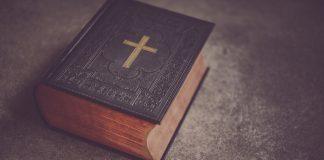 Tko je napisao Knjigu Postanka i o čemu ona govori?