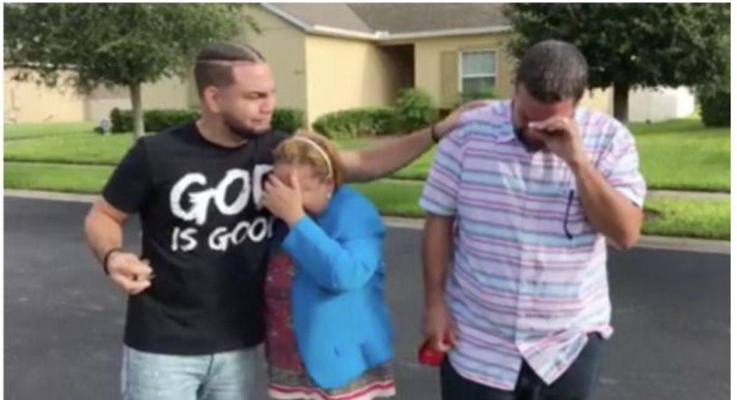 Zahvalni sin je kupio roditeljima kuću - priredio im je veliko iznenađenje