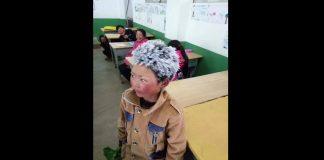 8-godišnjak je došao u školu smrznute kose