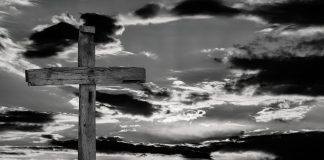 Je li Bog umro kada je Isus umro na križu