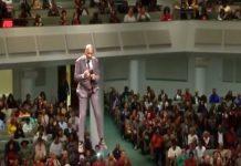 'Leteći pastor' na dramatičan način započeo svoju propovijed