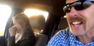 Tata postao internetska senzacija nakon što je osramotio kćer koja je propustila školski autobus