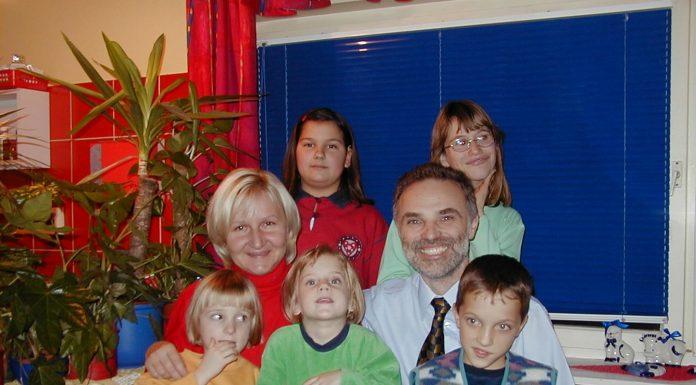 Bračni par Hoblaj je udomio 10 i posvojio 6 djece, a nemaju problema za začećem