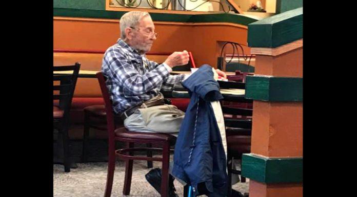 Djed (97) je posjetio lokalni restoran brze hrane