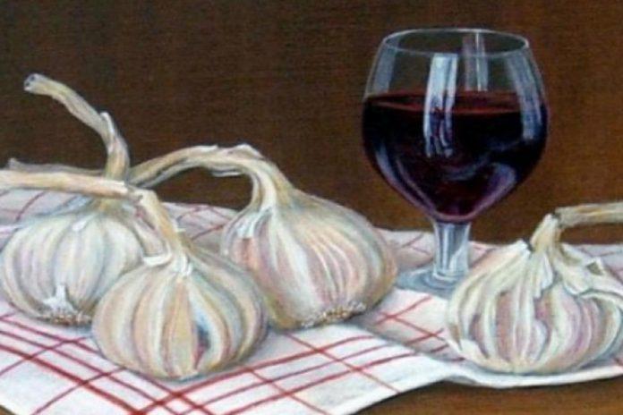 Prirodni lijek od češnjaka i vina čisti organizam od otrova