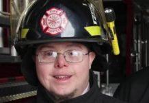 vatrogasac s downovim sindromom dao otkaz