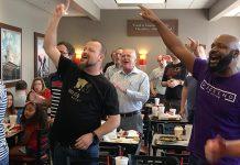 Gosti restorana doživjeli nevjerojatno iznenađenje od strane gospel zbora