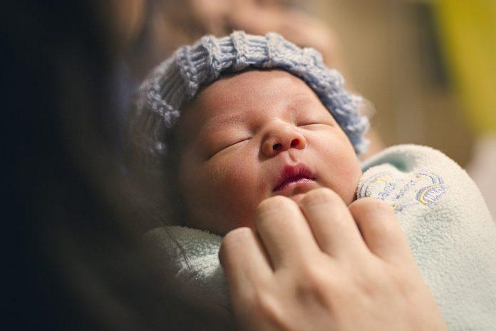 Liječnik poručio roditeljima da će slomiti vrat djetetu ukoliko se ono rodi živo
