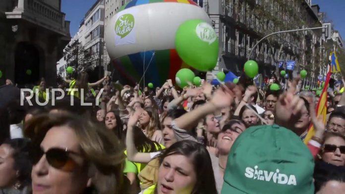 BRAVO ŠPANJOLSKA: Na tisuće Španjolaca su ustale protiv pobačaja