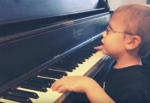 slijepi dječak klavir Bohemian Rhapsody Queen