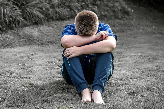 UŽAS U SRBIJI: Dječaka vršnjaci silovali i sve prenosili mobitelom