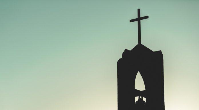 TRI OSOBE SU POGINULE Stravičan teroristički napad na Katoličku crkvu