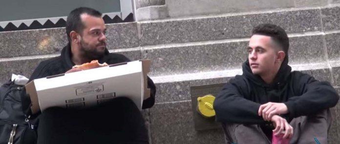 Beskućnik je dobio besplatnu pizzu, a ono što je učinio s njom rasplakalo je svijet