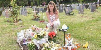 Srušili su nadgrobni spomenik njenog sina, majka se uzrujala kada je saznala razlog