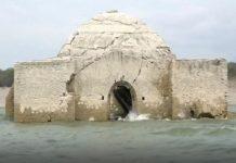 Crkva izronila iz vode