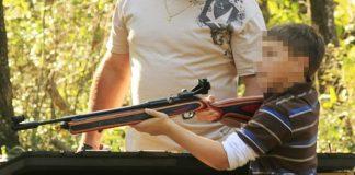 Dječak (5) se bori za život nakon što ga je slučajno ranio brat iz puške