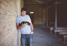 10 biblijskih stihova koji će te odmah oraspoložiti