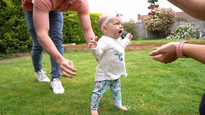 Djevojčica šokirala roditelje, prohodala je sa samo 6 mjeseci