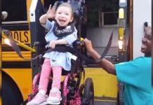 Presretna djevojčica s cerebralnom paralizom je krenula u prvi razred