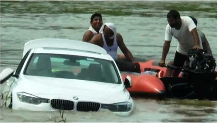 Gurnuo je BMW u rijeku kojeg su mu roditelji kupili