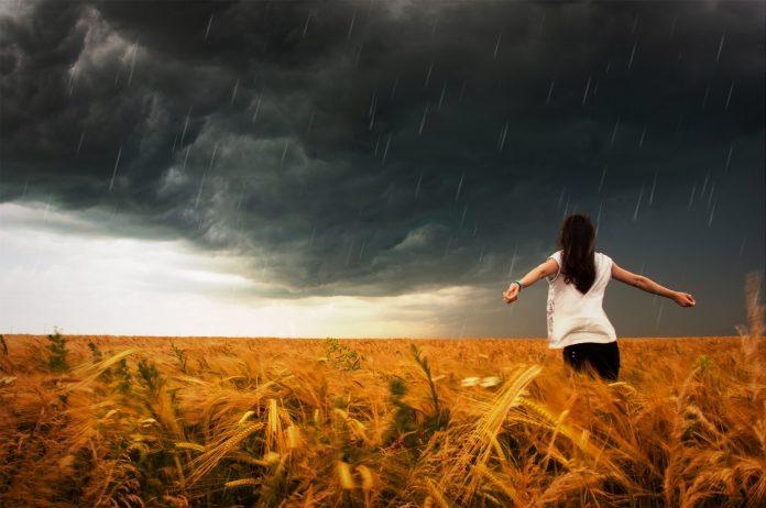 Bog prisutan u olujama