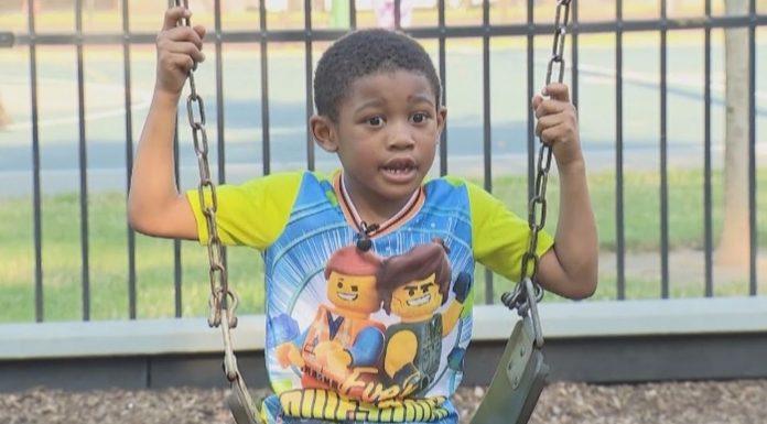 Dječak spasio obitelj iz požara