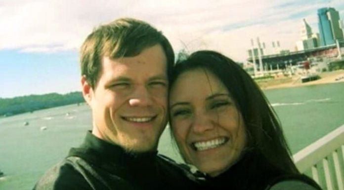 Poslala je poruku mužu kojeg je prevarila, a njegov odgovor ju je slomio