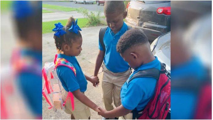 Majka je podijelila dirljivu fotografiju svoje djece na prvi dan škole