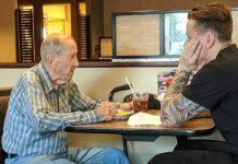 Mladi konobar je odlučio praviti društvo 91-godišnjem starcu