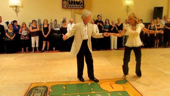 Stariji bračni par je došao na podij, a njihov ples je oduševio milijune ljudi