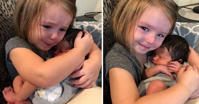 Prvi put je primila novorođenče u ruke
